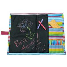 Chalkboard fabric roll up. No instructions, but I love the chalk holders! Chalkboard Fabric, Kids Chalkboard, Fabric Crafts, Sewing Crafts, Sewing Projects, Sewing Ideas, Dyi Crafts, Craft Projects, Toddler Gifts
