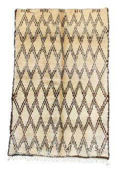 Tribe: Beni Ouarain Code: B110 Size: 5'9x8'5 Fiber: Wool Pile: High Condition…