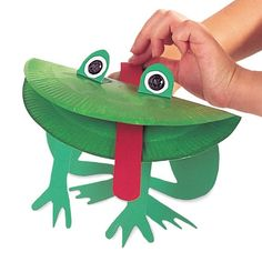Paper Frog Puppet- need to find a frog themed book to go with this