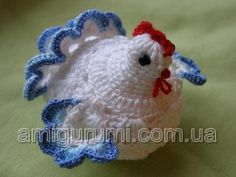 Very real-looking crochet easter chicken egg cozy, decoration. Has some photos, pattern in Russian.