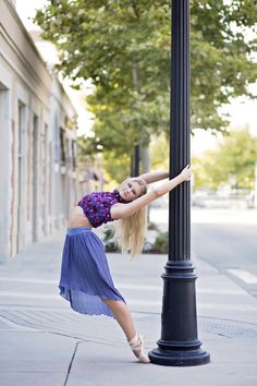 dance photography ballet en pointe senior portrait ideas for girls