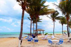 The Grand Caymanian Holiday Inn Resort on Grand Cayman Island.    PHOTOGRAPHY: Victor Amos (www.VictorAmos.com)   #vacation #destination #travel #tropical #island #caribbean #beach