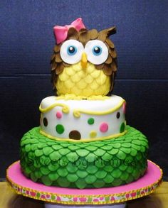 NICE OWL CAKE, this is for my friend Stacy! Cupcakes, Cupcake Cookies, Pretty Cakes, Beautiful Cakes, Amazing Cakes, Cake Pops, Owl Cake Birthday, Owl Cakes, Ladybug Cakes