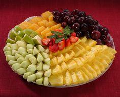 Картинки по запросу как сервировать нарезанные фрукты
