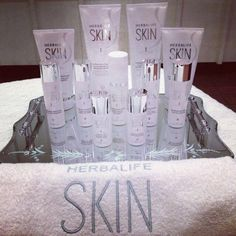 Herbalife skin has no para bonds no sulfate and is extremely affordable in comparison to any other products. Now we have a moisturizer that's been recommended by the skin cancer foundation. Herbalife Recipes, Herbalife Nutrition, Herbalife Products, Herbalife Distributor, Nutrition Club, Chocolate Slim, Spa Party, Protein Bars, Skin Products