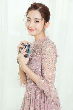 Gulinazha Beautiful Chinese Girl, Beautiful Asian Women, Le Jolie, Chinese Actress, Asian Woman, Lady, Asian Beauty, Female Models, Chic