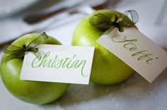 A special idea for place cards - so fruity ;)   photography: Anne Krusche www.festefeiern.by