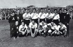 La Maquina. Agachados, Muñoz, Moreno, Pedernera, Labruna y Loustau