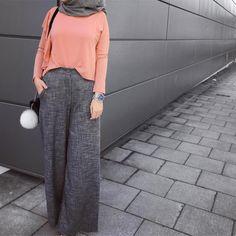 "1,402 Likes, 21 Comments - Ebru (@ebrusootds) on Instagram: "" Jersey hijab @altinbasmoda Tunika / dress @ileyda_boutique #hijabfashion #hijabi #ootd…"""