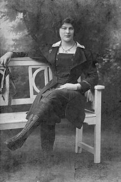 Elizabeth 'Dolly' Shepherd (1887-1983) English parachutist, who jumped from a hot-air balloon (1905) and later was a WW1 mechanic