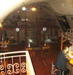 Pub U Kacpra to jeden z najstarszych w mieście pubów, zlokalizowany przy ul. Sławkowskiej, który z chęcią odwiedzają zarówno mieszkańcy Krakowa, jak i goście odwiedzający nasze miasto.