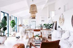 all white, natural home shot by hannah blackmore // via coco+kelley