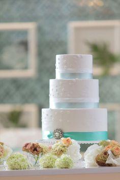 シンプル爽やかなウエディングケーキ