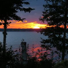 SPECTACULAR WATERFRONT LOTS FOR SALE ON GRAND LAKE, NB Fill you summer days swimming, boating or water skiing on Grand Lake!! $99,900 Plus HST Marine Drive, Cumberland Bay NB Contact: Bob McLean 506-260-2030 or rmclean@nb.aibn.com