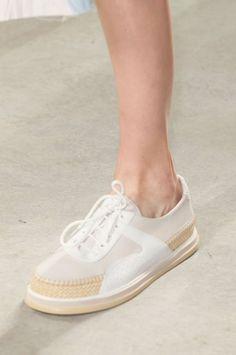 261c8b15e50d 41 Flat sandals To Wear Asap