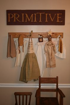 Primitive Dining Room, Dining Rooms Design - New Deko Sites Primitive Bedding, Primitive Dining Rooms, Primitive Bathrooms, Primitive Furniture, Primitive Crafts, Primitive Kitchen, Rustic Country Homes, Country Primitive, Country Decor