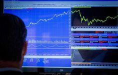 Bovespa surfa nos mercados globais, sinaliza 64 mil pontos e gira R$9,8 bilhões - http://po.st/OlBzzl  #Bolsa-de-Valores - #Mercados, #Petrobras, #Petróleo, #Vale