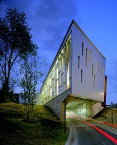 Ann Arbor District Library / inFORM studio