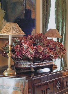 elegant classic interior livingroom drawingroom pineapples