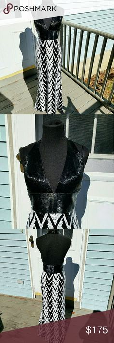 "La Femme Black & White Sequin Embellished Gown This dress is in excellent used condition. Was worn once for prom and hemmed a few inches to make it easier to walk in and I'm 5""2. This dress is very sexy and glamorous! Would love to see someone rock this gem!  Comes with original dress bag. La Femme Dresses Prom"