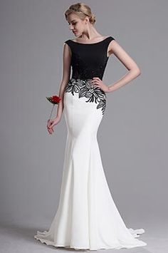 This figure-flattering prom dress brings a strong sense of elegance and good taste. It flaunts the combination and comparison of the classic black and white which stay in harmony on this dress. Beautiful Gowns, Beautiful Outfits, Day Dresses, Formal Dresses, Wedding Dresses, Floral Embroidery Dress, Blue Cocktail Dress, Mothers Dresses, Mermaid Prom Dresses