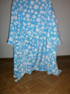En soms heb ik helemaal geen zin om kleren aan te doen, maar een gewone badjas was te saai geweest.