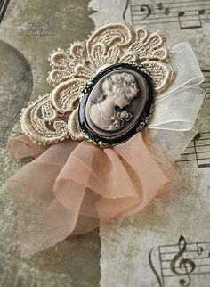 A simple brooch idea with cameo, an applique and tule ribbon. Brooches Handmade, Handmade Flowers, Handmade Jewelry, Handmade Headbands, Handmade Soaps, Handmade Rugs, Handmade Crafts, Handmade Silver, Shabby Chic Crafts