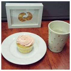 Mondays call for the perfect morning tea.  Our Pink Vanilla cupcake will have you all happy in no time.  #thecupcakequeens #cupcakespoils