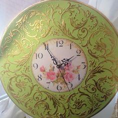 Купить Настенные часы Вальс в салатовом - салатовый, настенные часы, часы, часы настенные
