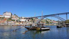 Barcos rabelos - Porto, Portugal © Viaje Comigo Porto Portugal, Douro, Sydney Harbour Bridge, City, Travel, Sidewalk, Traveling, Boats, Fotografia