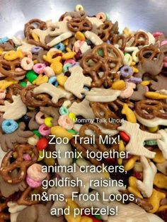 Animal Trail Mix*animal crackers goldfish, raisins, m&ms, Fruit Loops, and pretzels* Dessert Dips, Dessert Parfait, Desserts, Snack Mix Recipes, Baby Food Recipes, Snack Mixes, Trail Mix Recipes, Kids Snack Mix, Lunch Snacks