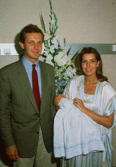 "Naissance de Charlotte Casiraghi en août 1986 RETRO CAROLINE DE MONACO ""SIPA…"