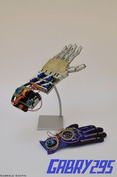 Picture of Wireless Controlled Robotic Hand ---- HEY HEY!!!  For more COOL ARDUINO stuff, check out http://arduinohq.com
