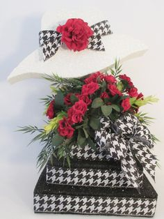 Hat Centerpiece – Designs by Ginny
