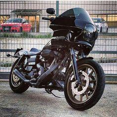 Harley Davidson Bike Pics is where you will find the best bike pics of Harley Davidson bikes from around the world. Harley Davidson Fat Bob, Harley Davidson Street, Harley Davidson Motorcycles, Custom Motorcycles, Custom Bikes, Harley Dyna, Harley Bikes, Dyna Club Style, Cool Bike Accessories