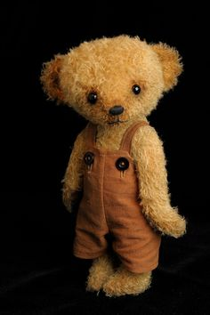 Teddy Bear Named Sammy by Cheryl Hutchinson of Bingle Bears.