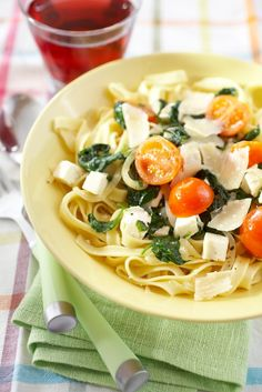 Feta, Tasty, Yummy Food, My Cookbook, Spaghetti, Ethnic Recipes, Goals, Drink, Ideas