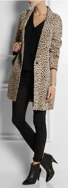 dress and coat outfit Leopard Fashion, Animal Print Fashion, Beautiful Outfits, Cute Outfits, Leopard Print Coat, Leopard Print Dresses, Leopard Prints, Animal Prints, Cheetah