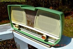 "SAGE GREEN Wonder Mid Century Retro Antique 1959 Rogers Majestic AM Vacuum Tube Radio Totally Restored! DIMENSIONS: Approximately 13.5"" x 5"" x 7"" (l x w x h) COLOR: Sage green and white YOUTUBE VIDEO"