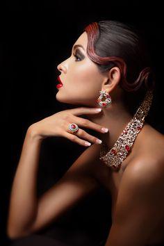 she-loves-fashion: Livia by Manoj Jadhav Jewelry Model, Jewelry Box, Jewelry Accessories, Fashion Accessories, Fine Jewelry, Fashion Jewelry, Beauty And Fashion, Love Fashion, Ladies Fashion