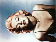 colorized marilyn monroe on photoshop
