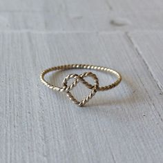 TWISTED HEART KNOT - RING