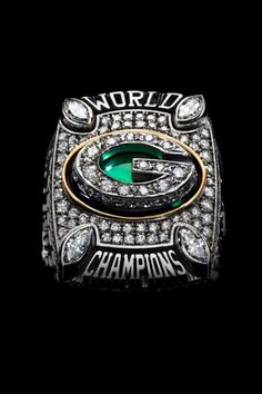 Super Bowl XLIX is this Sunday, and the champions will be awarded the crown jewel of the NFL, the Super Bowl ring. Go Packers, Green Bay Packers Fans, Packers Football, Greenbay Packers, Packers Baby, Super Bowl 45, Super Bowl Rings, Green Bay Packers Championships, Nfl Championship Rings