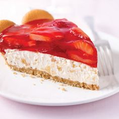 TROPICAL STRAWBERRY CREAM PIE     Would be cute to serve in little shot glasses.