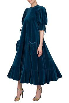 Gina Fratini blue velvet puff sleeve dress ca 1970 2 Abaya Fashion, Muslim Fashion, Fashion Dresses, Dress Outfits, Dress Up, Hippie Stil, Velvet Dress Designs, Designer Evening Dresses, Velvet Fashion
