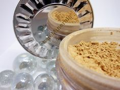 Although mineral make-up has been around for some time now, it's never been a product that I have been keen to try. Bare Minerals, Magic, Makeup, How To Make, Make Up, Bronzer Makeup