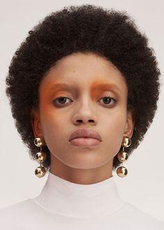 Ph: Jan Lehner for Lurve Magazine Stylist: Raquel Garcia