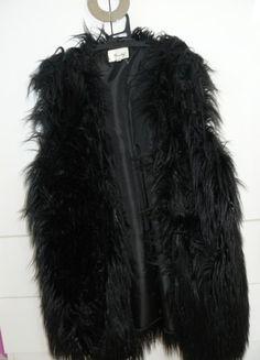 Czarna futrzana kamilzelka L/XL Fur Coat, Asos, Zara, Jackets, Fashion, Catalog, Down Jackets, Moda, Fashion Styles