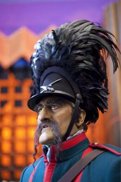 Bruce Campbell as a Winkie Guard in Oz The Great and Powerful --- During the whole movie I kept looking for Bruce and when I finally saw him I didn't realize it was him. I only realized it was him by his voice.