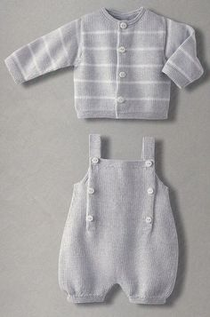 Baby Knitting Patterns Boy Adorable knitted cardigan and overalls - I wish the English translation (or my k. Baby Boy Knitting Patterns, Knitting For Kids, Baby Patterns, Knitted Baby Clothes, Knitted Romper, Pull Bebe, Romper Pattern, Layette Pattern, Baby Sewing